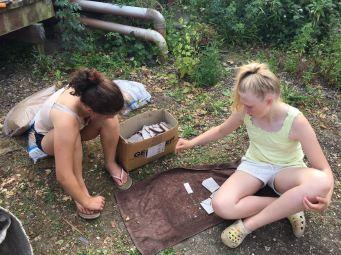 Leni und Kiki bei der Arbeit