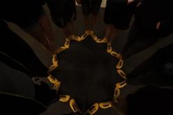 Die Sonnensteine mit gelben leuchtenden Socken