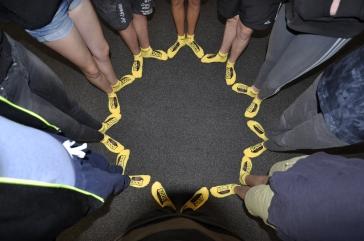 Die Sonnensteine mit gelben Socken