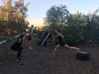 Sarah und Kiki beim Sport